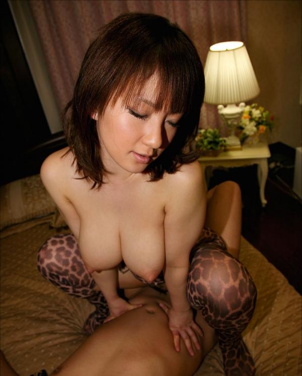 人妻の騎乗位セックス画像-74