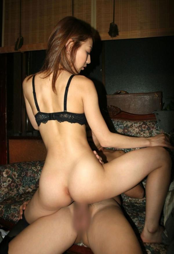 人妻の騎乗位セックス画像-85