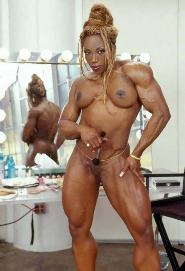 黒人の女性ボディビルダーエロ画像
