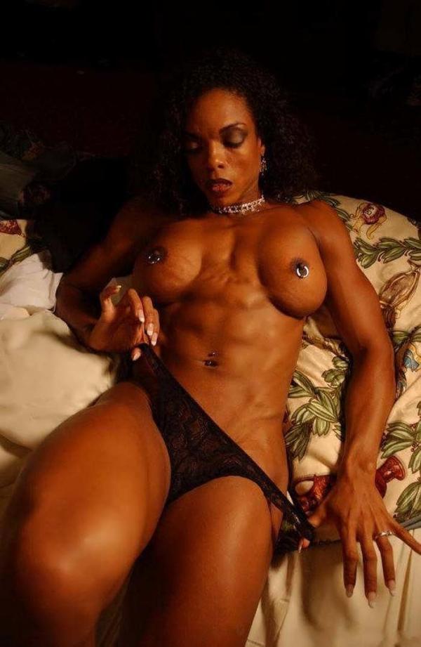 黒人の女性ボディビルダーエロ画像-16