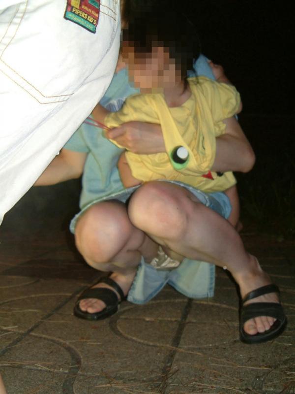 子持ちのパンチラ画像-7