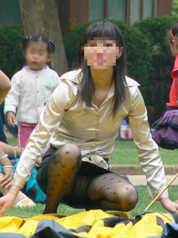 子持ちのパンチラ画像-49