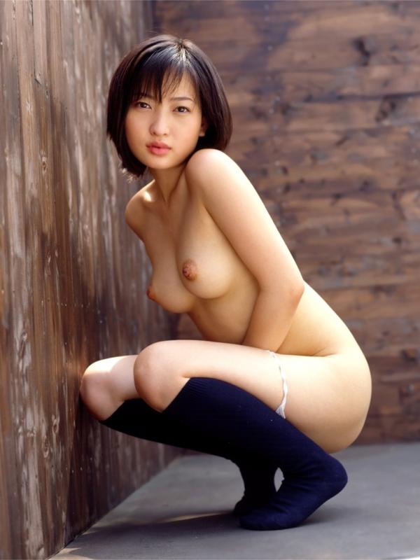 巨乳な人妻の生乳画像-31