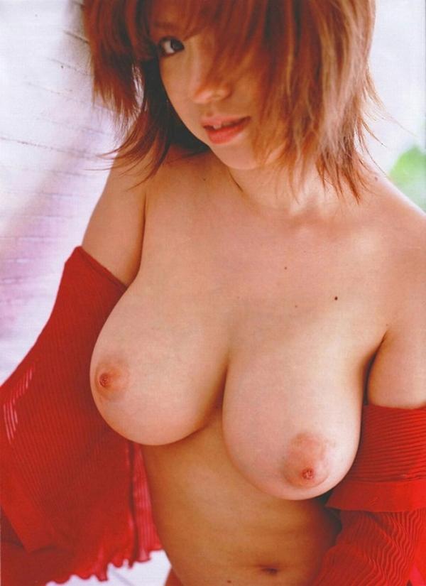 巨乳な人妻の生乳画像-65