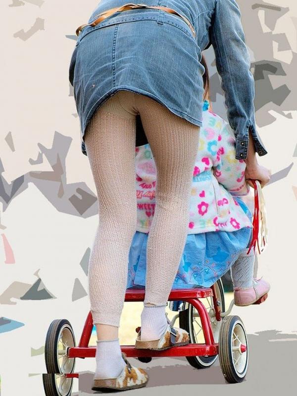 子連れママのパンチラ画像-14