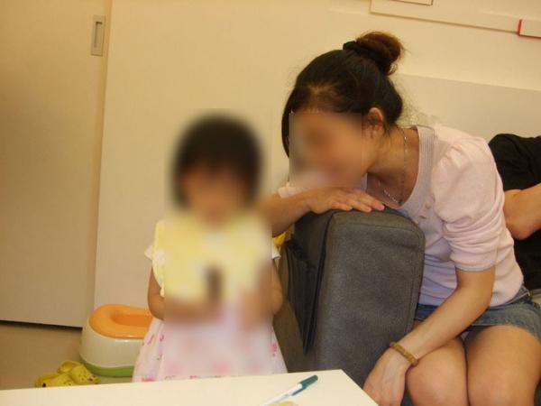 子連れママのパンチラ画像-18