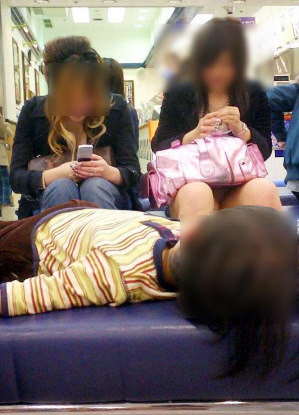 子連れママのパンチラ画像-24