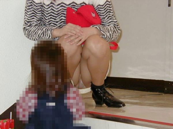 子連れママのパンチラ画像-30