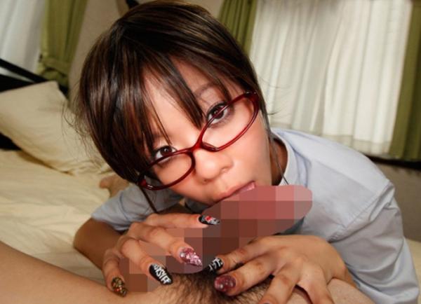 メガネ美人のフェラチオ画像-49