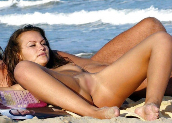 ヌーディストビーチのエロ画像-25