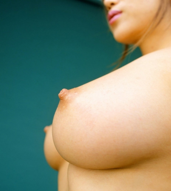 爆乳の乳輪画像-16