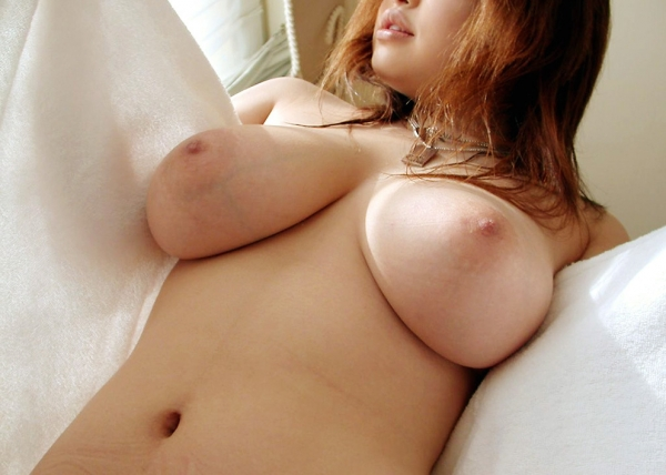 爆乳の乳輪画像-53