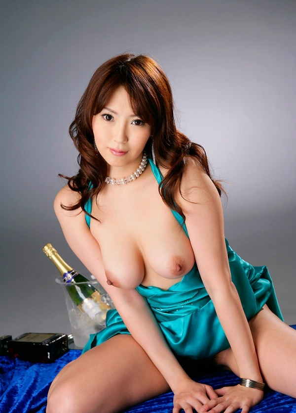 爆乳の乳輪画像-54