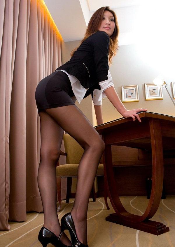 OL太腿のエロ画像-10