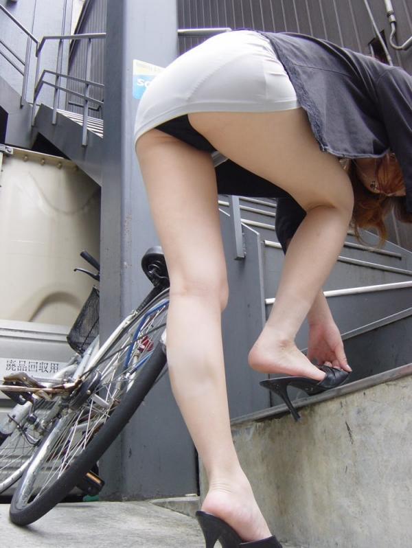 OL太腿のエロ画像-19