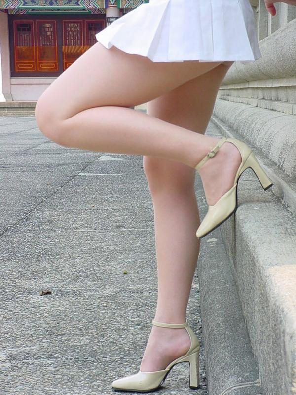 OL太腿のエロ画像-25