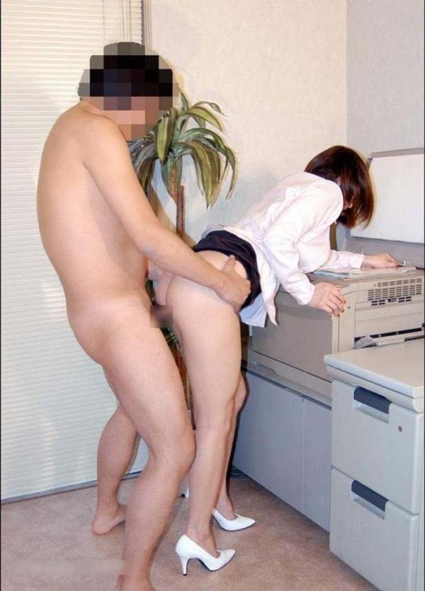 OLの着衣セックス画像-43