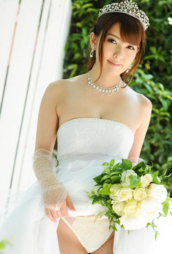 ウェディングドレスのパンチラ画像-7