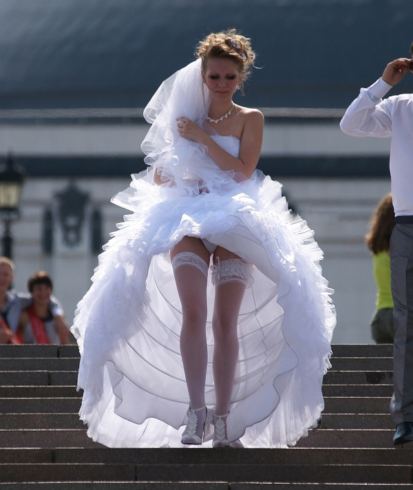 ウェディングドレスのパンチラ画像-27