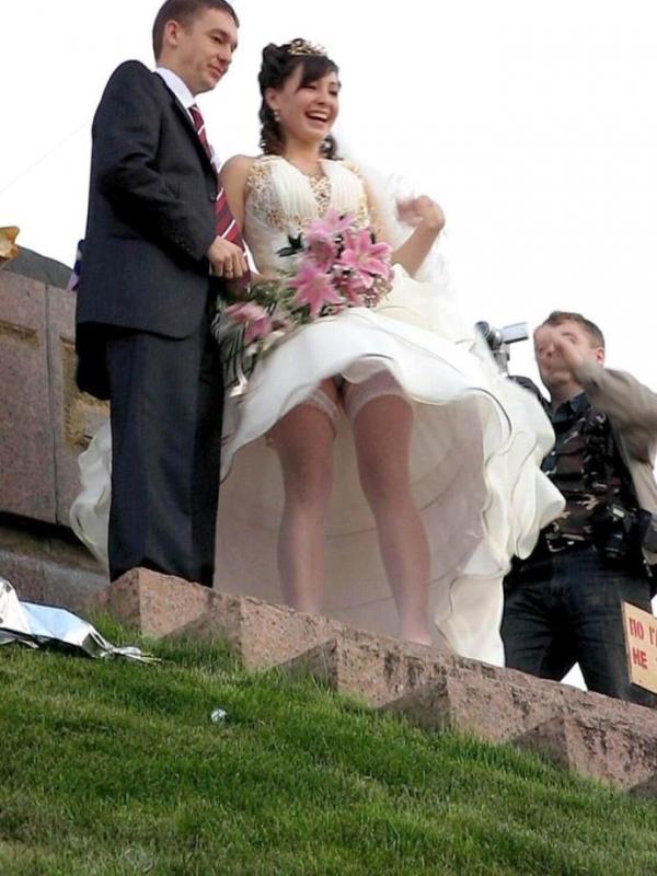 ウェディングドレスのパンチラ画像-29