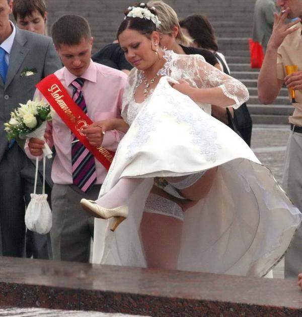 ウェディングドレスのパンチラ画像-30