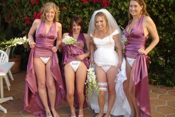 ウェディングドレスのパンチラ画像-31