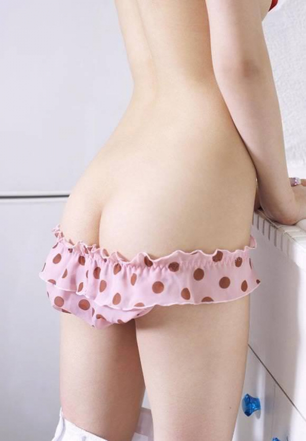 ピンク下着のエロ画像-3
