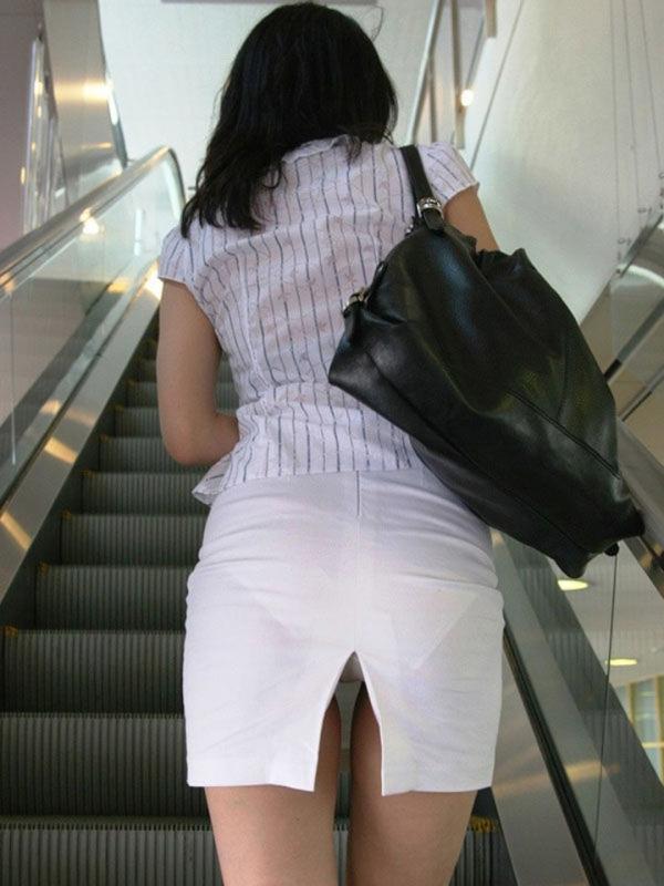 エスカレーターパ○チラの画像!百貨店やデパ地下で撮られた60枚