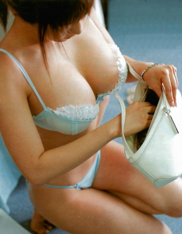 下着姿のセクシー画像-21