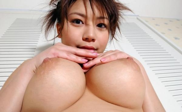 美巨乳の下乳画像-17