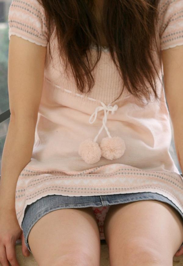 スカートのパンチラ画像-14