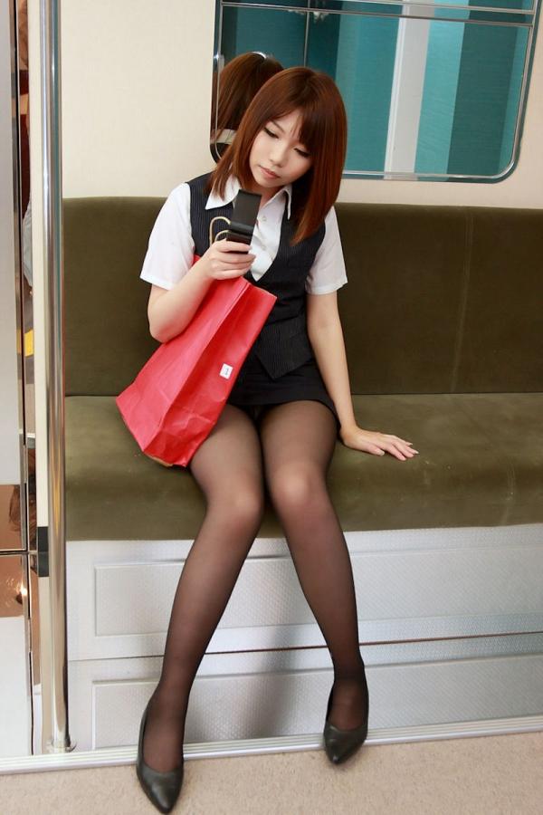 スカートのパンチラ画像-21