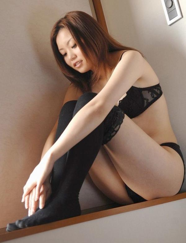 立膝座りのエロ画像-6