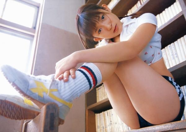 立膝座りのエロ画像-26