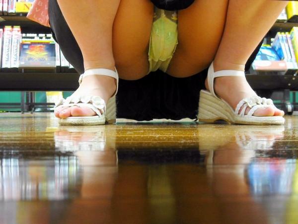 立膝座りのエロ画像-98