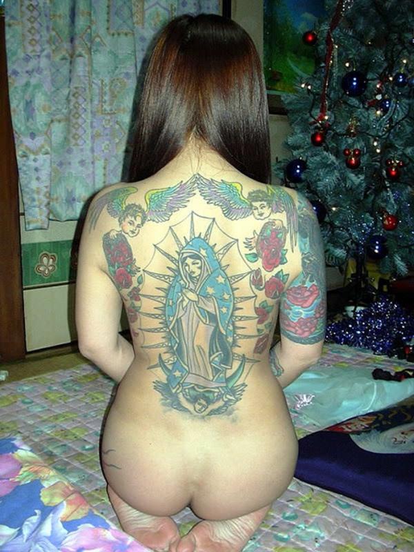 タトゥー入れた女のヌード画像-4
