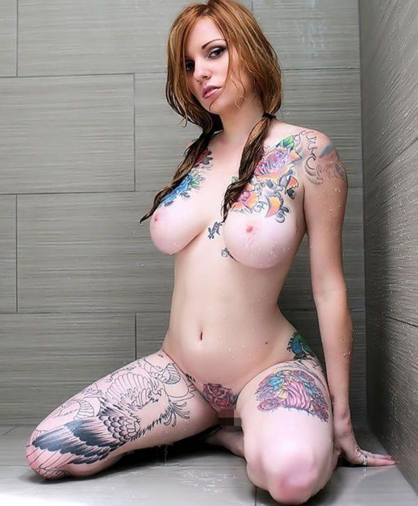 タトゥー入れた女のヌード画像-15