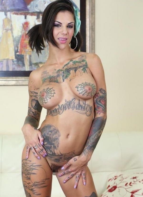 タトゥー入れた女のヌード画像-19