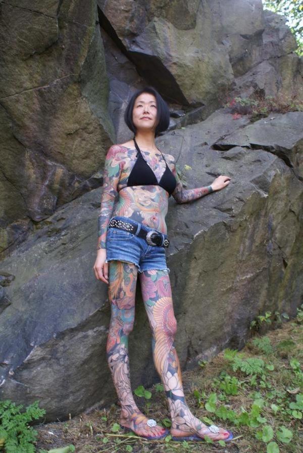 タトゥー入れた女のヌード画像-42