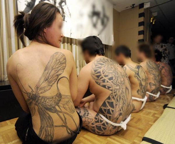 タトゥー入れた女のヌード画像-43