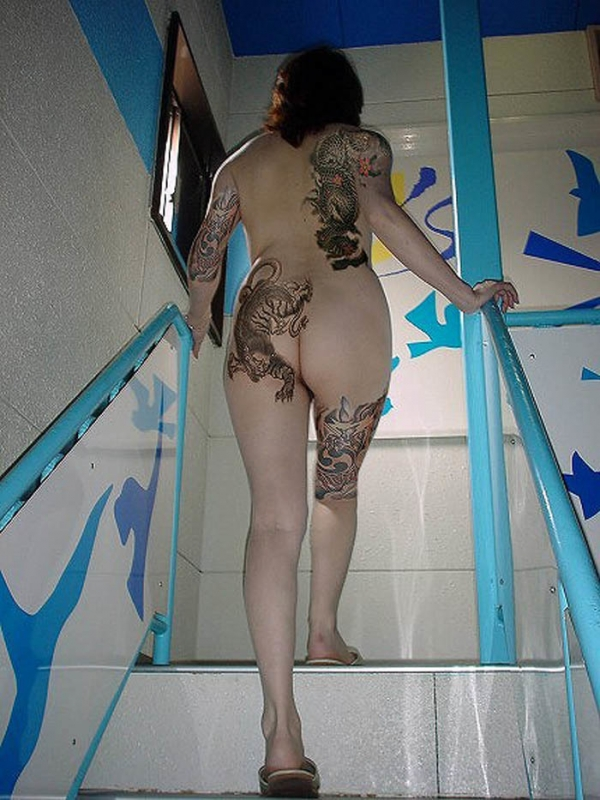 タトゥー入れた女のヌード画像-64