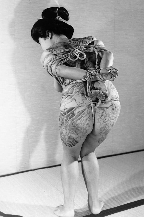 タトゥー入れた女のヌード画像-70