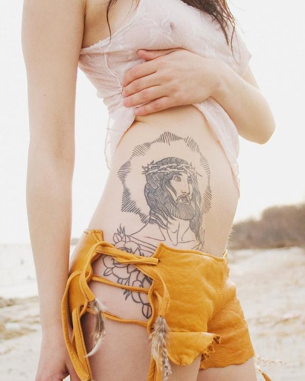 タトゥー入れた女のヌード画像-78
