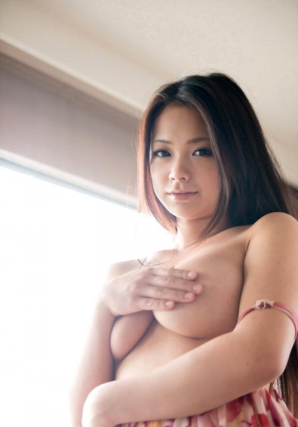 手ブラの巨乳画像-33