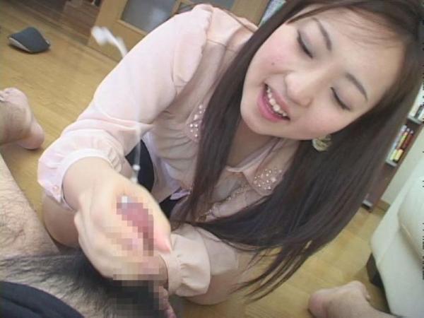 手コキ射精の画像-12