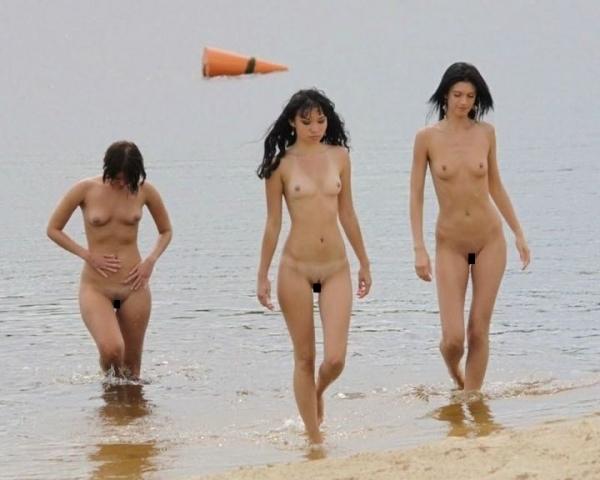 トップレスビーチのエロ画像-5