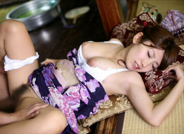 和服の着衣セックス画像-4