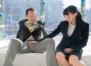 【MM号】会社の男性上司と初めての中出しSEXしちゃった部下のOL
