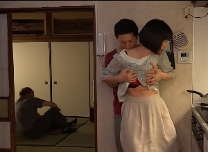 大森涼子 五十路熟女母に欲情した童貞息子の母子相姦SEX