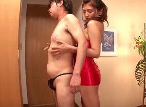 【長谷川みく】乳首が敏感なM男男性の乳首責めまくる痴女お姉さん